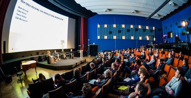Leute auf der Konferenz